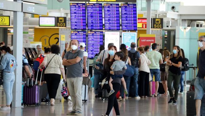 Pasajeros en el Aeropuerto del Prat, el 30 de agosto.