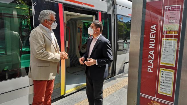 Pimentel y Aumesquet, en una parada del Metrocentro