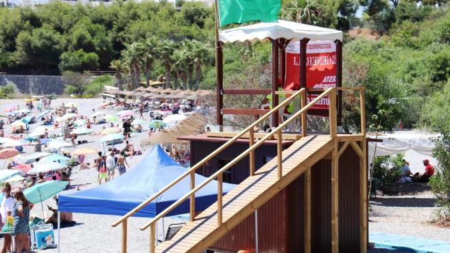 Más De 620 Actuaciones Han Llevado A Cabo Los Puestos De Socorro De Las Playas De Almuñécar Y La Herradura Hasta El Mes De Agosto.