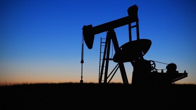 La caída de la demanda ha provocado un hundimiento del precio de materias primas como el petróleo o el carbón. En este sentido, el transporte juega un papel fundamental en la cadena de suministro y también se está viendo afectado.
