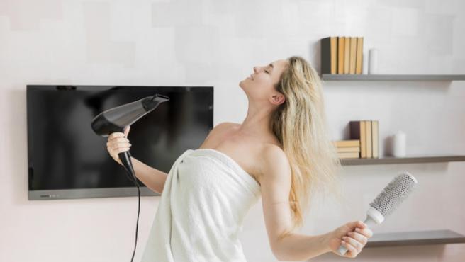 El secador es un aliado del cabello si uno sabe cómo usarlo.