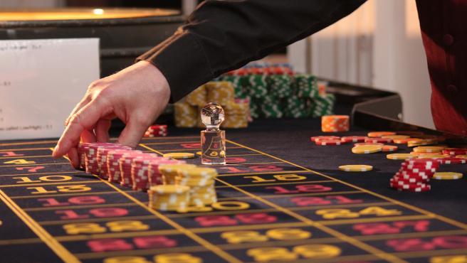 La pérdida de poder adquisitivo de una parte importante de la población lógicamente también afecta a los casinos, que previsiblemente tendrán menos ingresos y necesitarán menos personal.