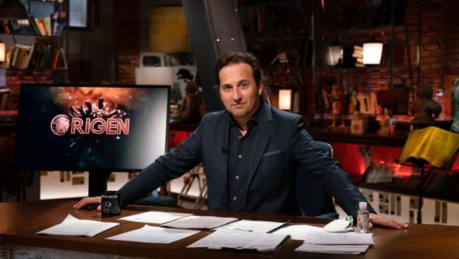 Iker Jiménez en el especial 'Origen' de 'Cuarto Milenio'.