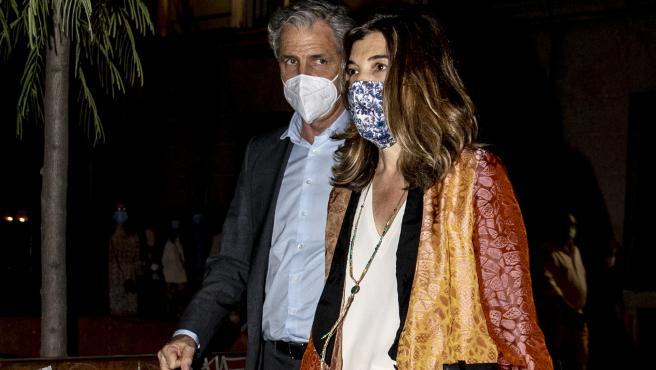 Xandra Falcó y Jaime Carvajal y Hoyos, este verano por las calles de Madrid.