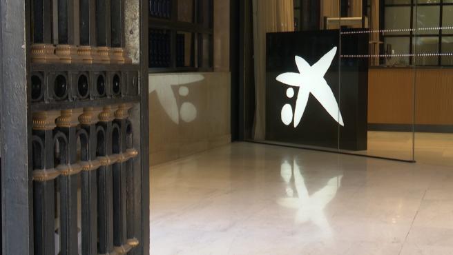 Imatge de la seu de Caixabank a València