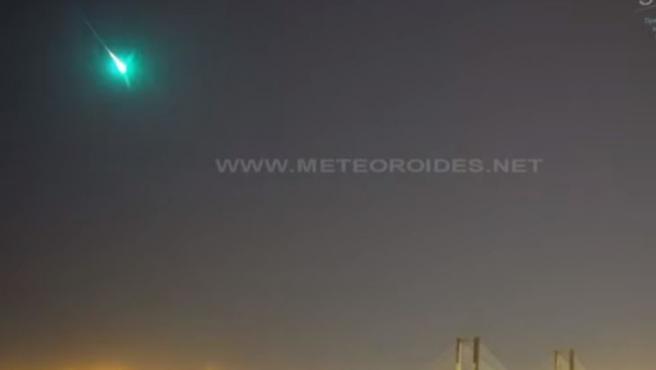 Imagen de la bola de fuego que sobrevoló este sábado Andalucía.