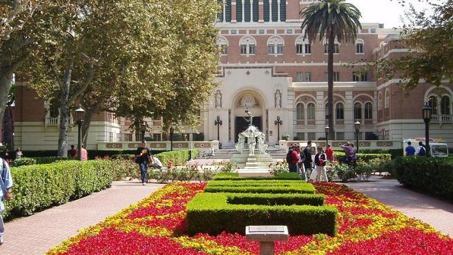 Imagen de la biblioteca de la University of Southern California.