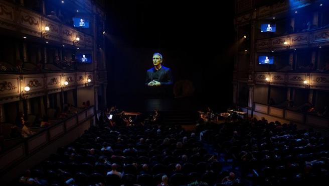 El actor Antonio Banderas habla por videoconferencia tras recibir la Medalla de Honor de la SGAE, durante la gala de entrega de los XXIII Premios Max.