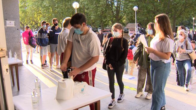 Cerca de 1.267 estudiantes se examinan de la EVAU en Madrid