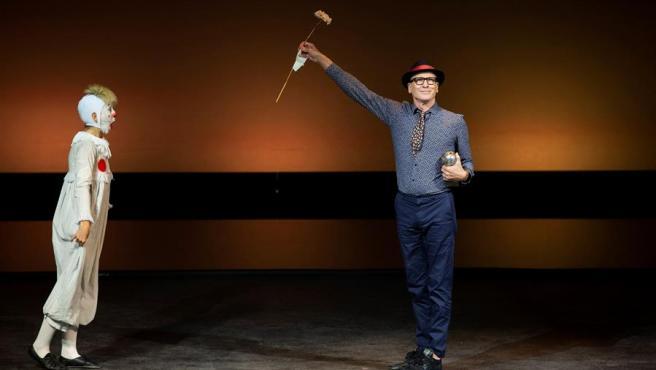 El bailarín y coreógrafo Nacho Duato recibe el Premio Max de Honor 2020, durante la gala de entrega de los XXIII Premios Max de la artes escénicas, en el Teatro Cervantes, en Málaga.