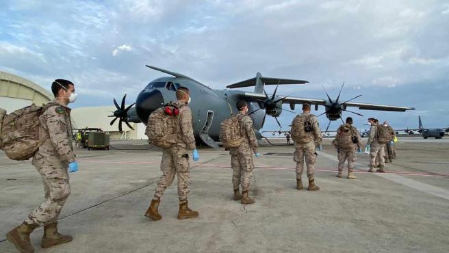 Imagen de archivo de miembros del equipo del Escuadrón de Apoyo al Despliegue Aéreo.