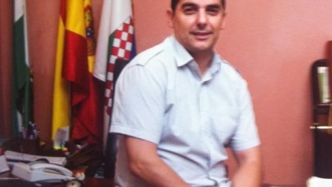 Coronavirus.- El alcalde de Casariche se aísla al sufrir síntomas y pide suspender las clases presenciales