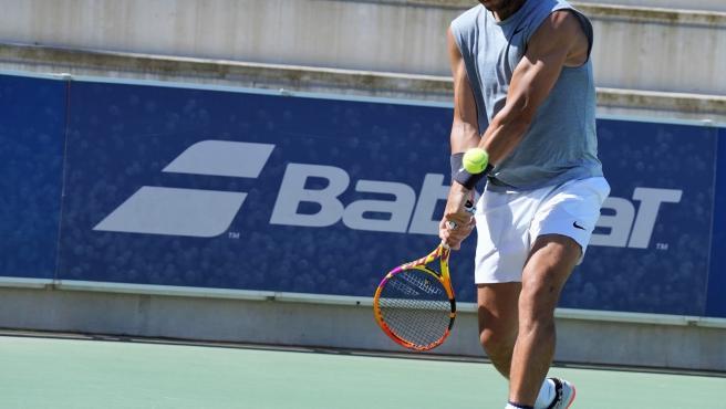 El tenista español Rafa Nadal entrenando en las instalaciones de su Academia