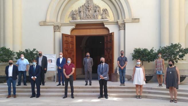 Foto de familia antes de la entrega del Premio Aragón de Medio Ambiente