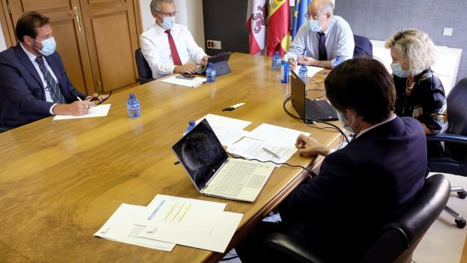 Reunión con el alcalde de Valladolid, Óscar Puente.