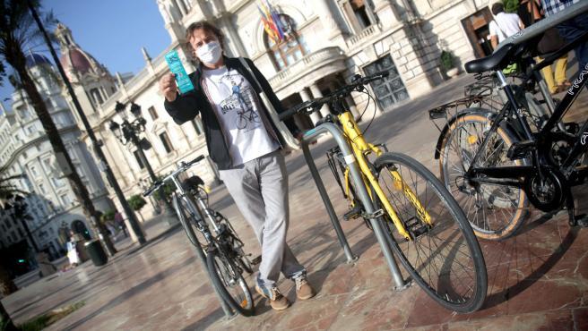 El concejal Giuseppe Grezzi, este miércoles, en la presentación de la campaña.