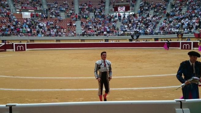 Diego Urdiales torero riojano en la plaza de toros de La Ribera en Logroño