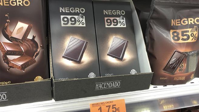 La nueva tableta 99% Cacao de Hacendado, en el lineal de Mercadona.