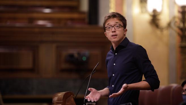 El portavoz de Más País-Equo en el Congreso, Íñigo Errejón, interviene durante la primera sesión plenaria en el Congreso de los Diputados tras el receso vacacional, en Madrid (España), a 8 de septiembre de 2020.