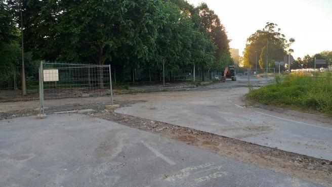 Avenida de El Molinón, cortada por obras y a la espera de su peatonalización