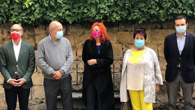 Igea junto a la alcaldesa de Segovia, el Consejero de Cultura y la directora de Hay Festival, Sheila Cremaschi.