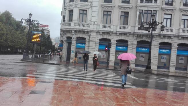 Lluvia en Oviedo.