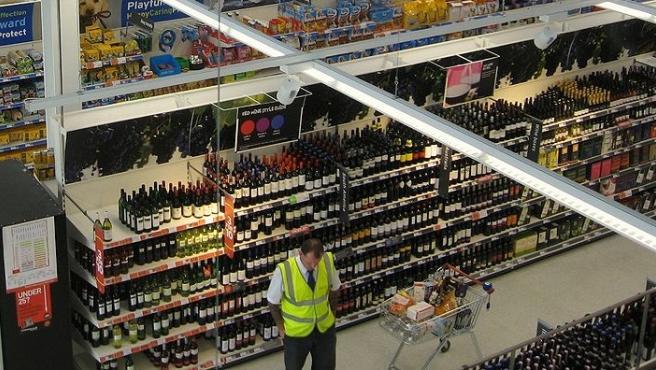 Imagen del interior de un supermercado Sainsbury's.