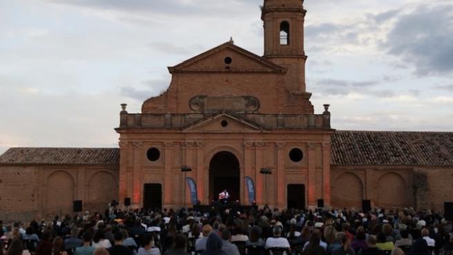 El Festival SoNna Huesca despide su primera edición con Juan Perro en la Cartuja de los Monegros.