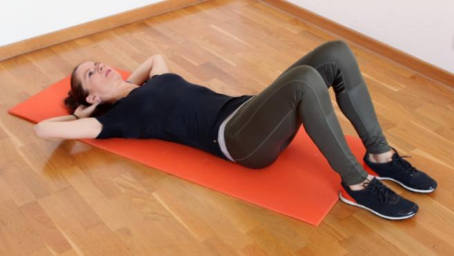 Los ejercicios para abdomen tienen que ejecutarse de manera controlada.