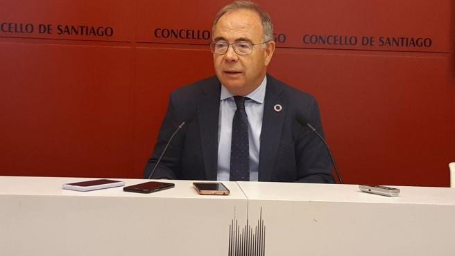 El alcalde de Santiago, Xosé Sánchez Bugallo, este viernes