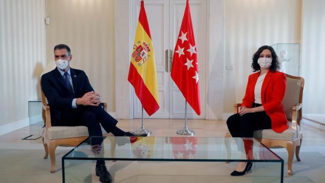 Isabel Díaz Ayuso y Pedro Sánchez, durante la reunión que han mantenido en la sede de la Comunidad de Madrid.