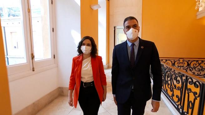 """Sánchez y Ayuso pactan un espacio de colaboración y harán """"lo que sea"""" para frenar la pandemia"""