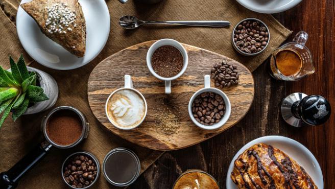 Los bares de la cafetera contribuyen a extraer el aroma y el sabor del café.