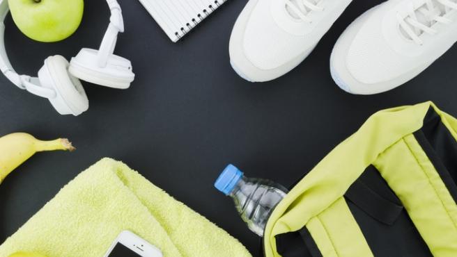 Es importante desechar elementos de un solo uso, como botellas de agua,