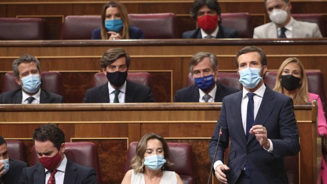1-O.- Casado critica que Sánchez 'huya a Bruselas' mientras el Gobierno habla de