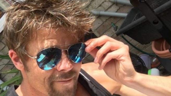 Nathan Meads, un albañil idéntico a Brad Pitt.