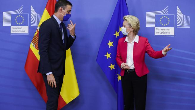 Pedro Sánchez y la presidenta de la Comisión Europea, Ursula von der Leyen.