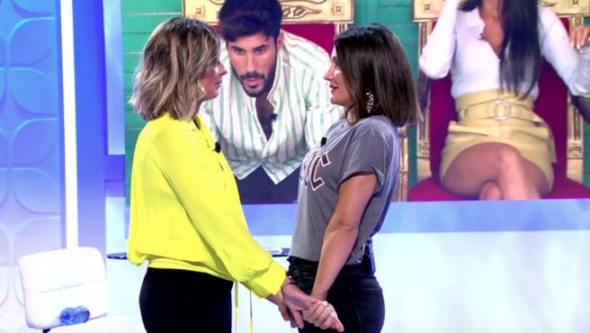 Sandra Barneda y Nagore Robles en 'Mujeres y hombres y viceversa'.