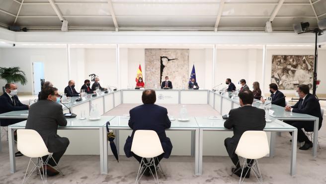 Reunión del presidente del Gobierno con representantes de las empresas de la economía social.