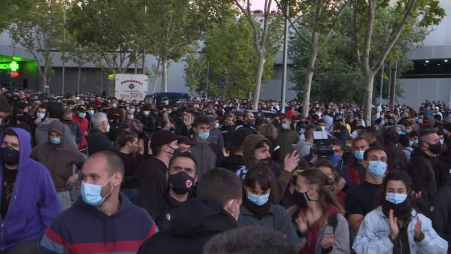 Concentración en apoyo a los detenidos en Vallecas la pasada noche