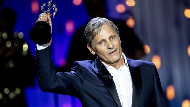 Viggo Mortensen recoge el Premio Donostia.