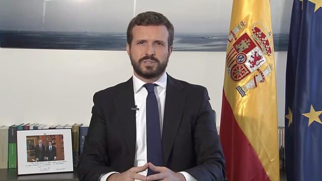 """Casado entona un 'viva el rey' y avisa a Sánchez: """"Ser parte de un Gobierno  no blinda para atentar a las instituciones"""""""