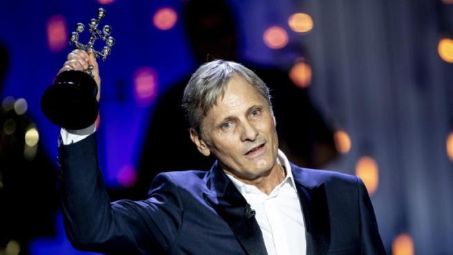 Viggo Mortensen homenajea a Peter Jackson (y a la sanidad pública) a su paso por el Festival de San Sebastián