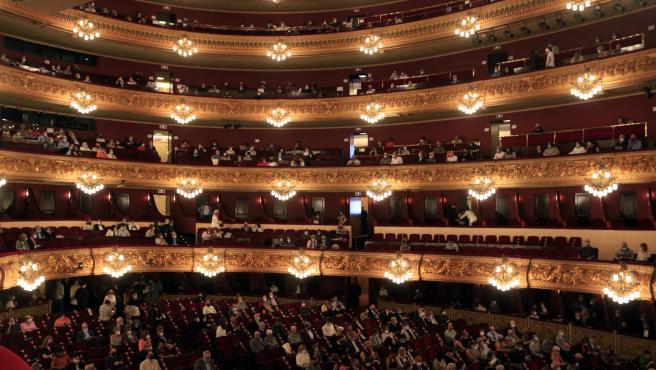 El Gran Teatre del Liceu, con el aforo reducido a la mirad, en el primer concierto después de seis meses de cierre por la pandemia del coronavirus.