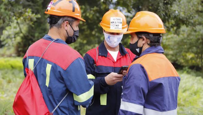 Trabajadores de Alcoa en el Pazo de Cea de Nigrán.