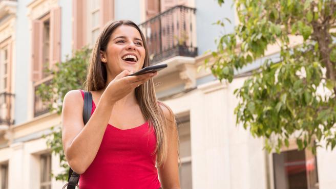 Utilizar mensajes de audio se ha popularizado mucho en diferentes apps.