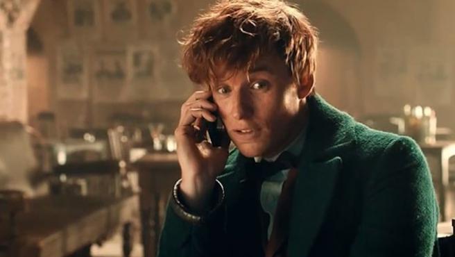 Eddie Redmayne defiende a J. K. Rowling frente a los insultos en redes