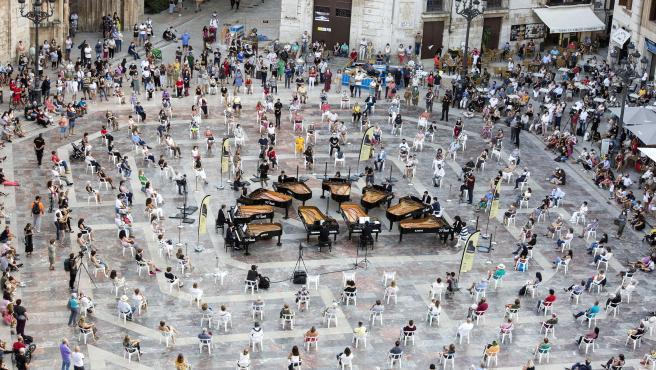 Festival Iturbi, 10 Pianos Plaza de la Virgen de València