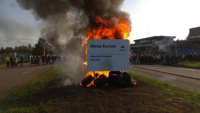 Nueva protesta a las puertas de Alcoa