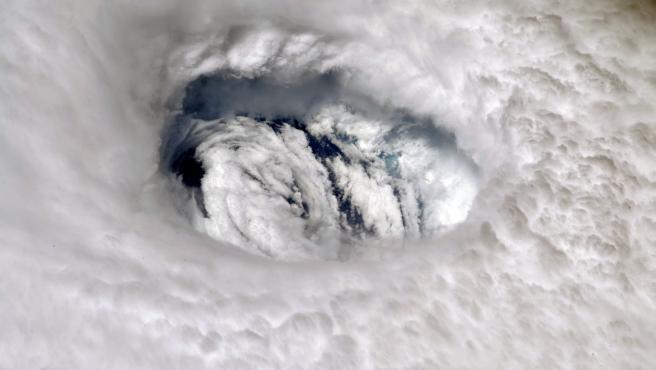 Foto de archivo del ojo del huracán Dorian (2019).